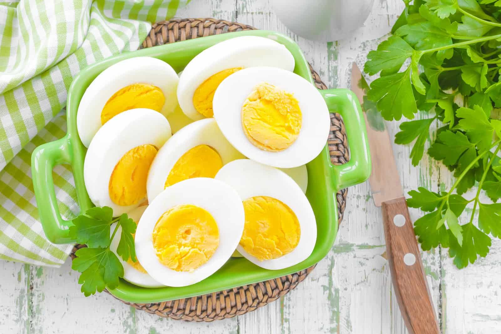 6 Reasons Eggs and Weight Loss Are Linked
